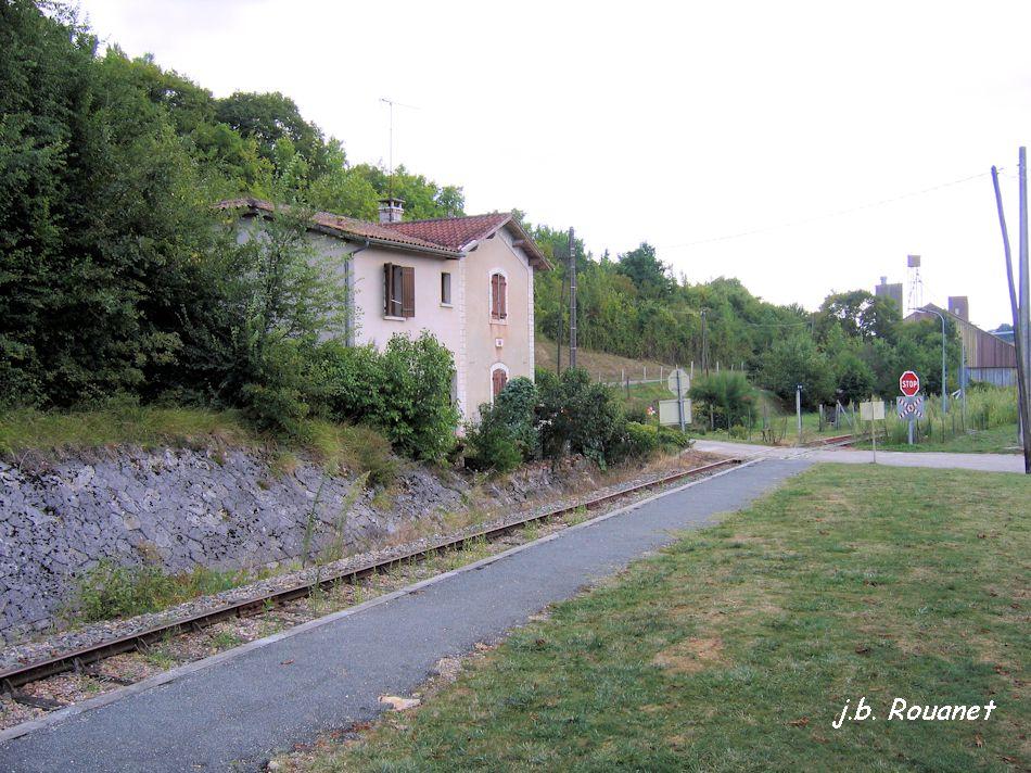 Train Touristique Nérac - Mézin  - Page 2 Mezin_11