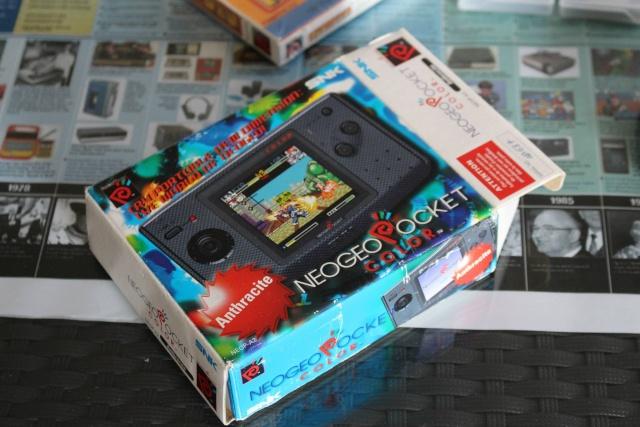 [VDS] Lot NeoGeo Pocket Color + 17 Jeux + Linker Flashmasta + 2 cartouches vierges pour flasher ces jeux (2/cartouches) 00111