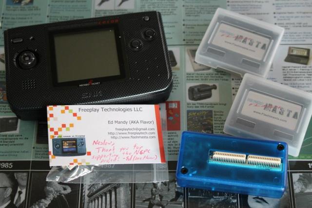 [VDS] Lot NeoGeo Pocket Color + 17 Jeux + Linker Flashmasta + 2 cartouches vierges pour flasher ces jeux (2/cartouches) 01311