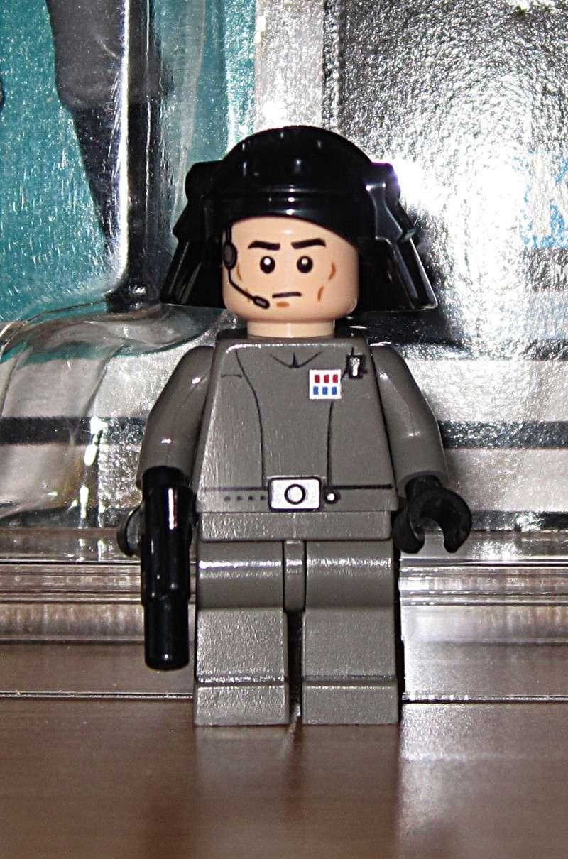 LEGO first 12 minifig run? 2014-010