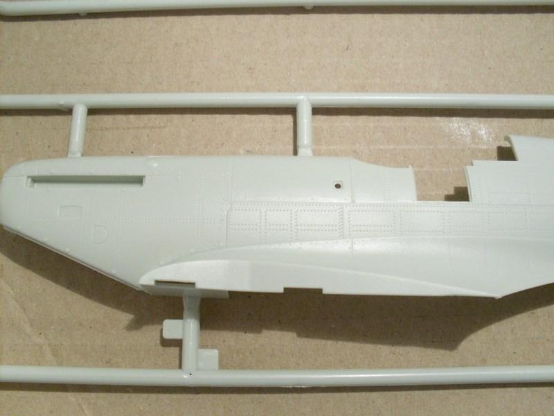 Spitfire Mk.IIa au 1/32 de chez REVELL Revue_45
