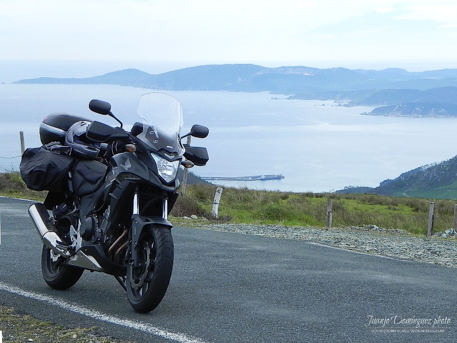 La moto y el mar... Acedei10