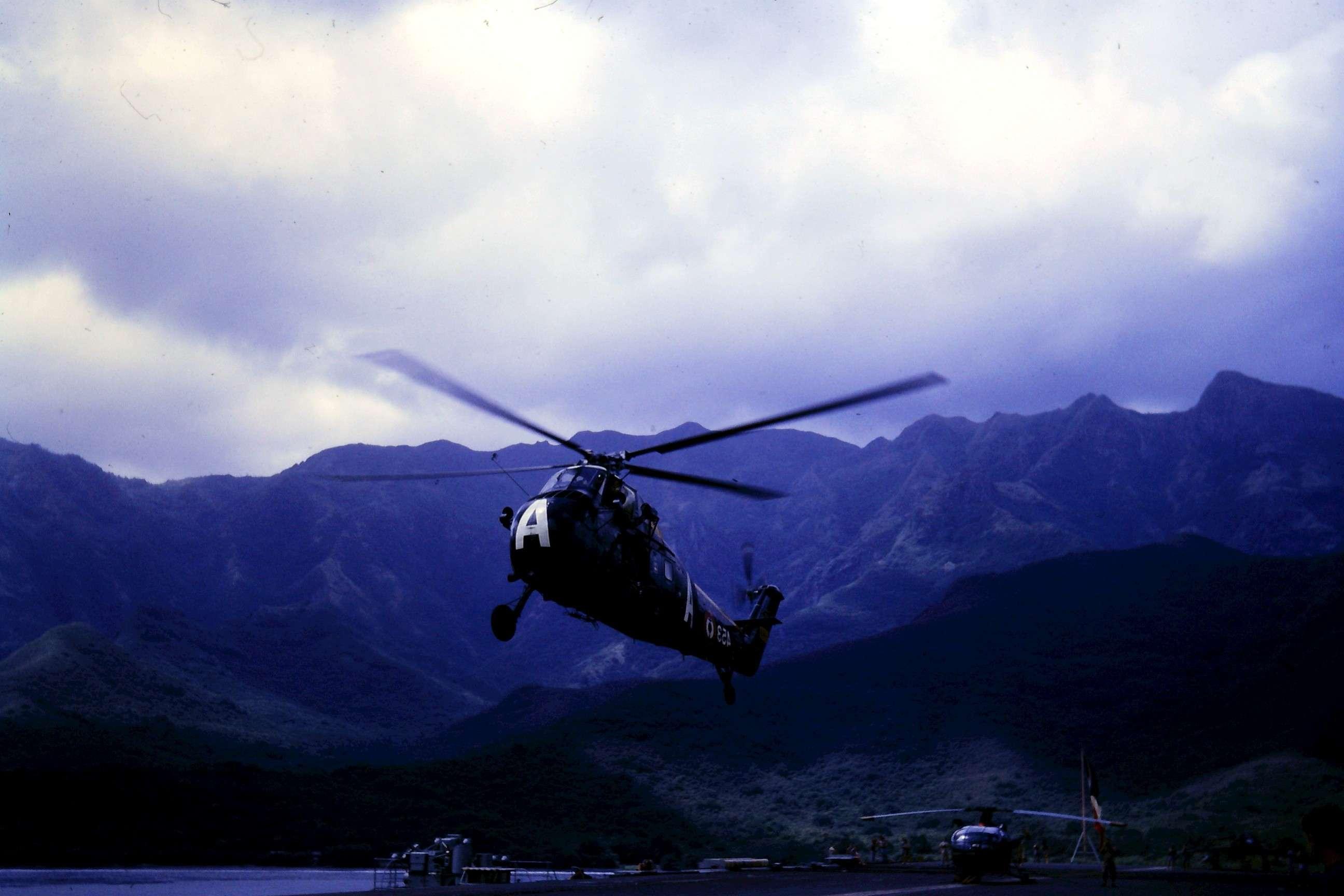 [Aéronavale divers] Où sont passés nos hélicos HSS1 ? - Page 9 Hss_de10