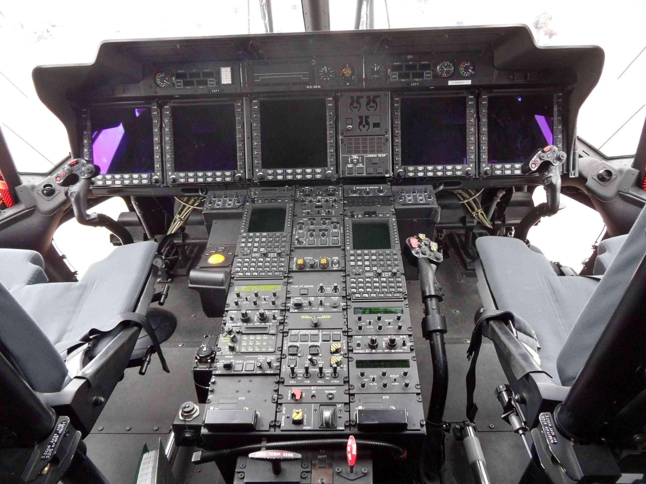 [Aéronavale divers] Hélico NH90 - Page 4 Sam_1311