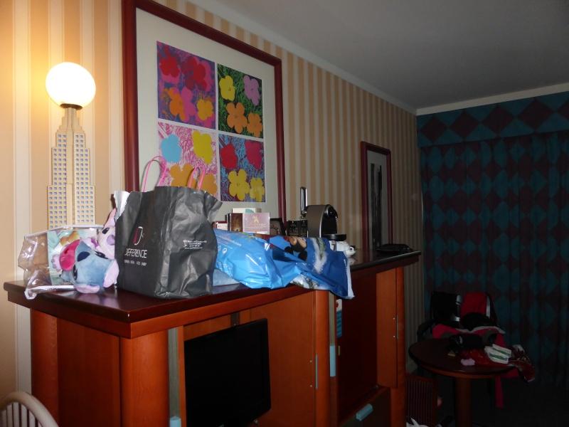 Après plusieurs séjours dont 3 au New york (tr) et un fabuleux voyage à WDW, la famille liègeoise est de retour à DLP... au DHL!!!!(dernier tr en vidéo) - Page 13 P1000613