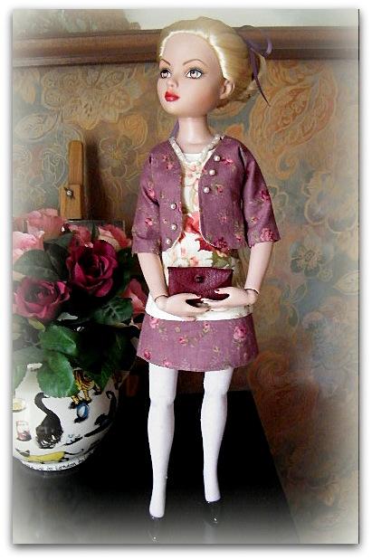 Mes poupées Ellowyne Wilde. De nouvelles photos postées régulièrement. - Page 7 00131