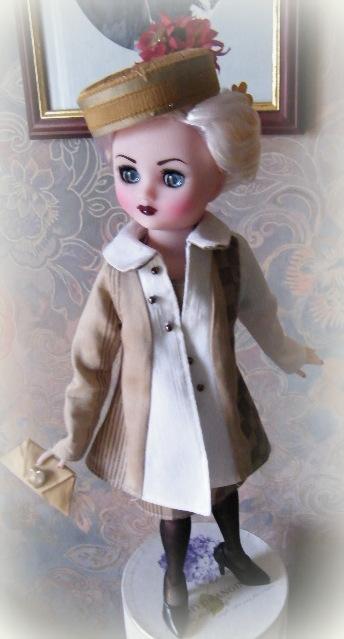 """Poupée américaine Rini """"Elegance"""" de chez Horsman. 00820"""