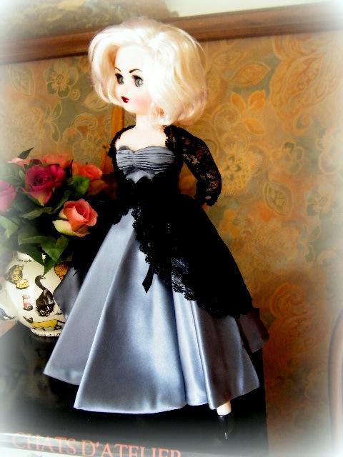 """Poupée américaine Rini """"Elegance"""" de chez Horsman. 01213"""