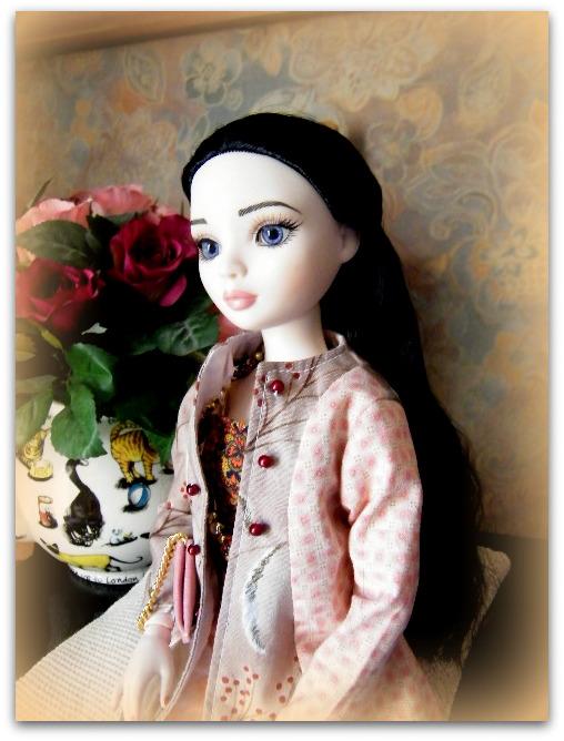 Mes poupées Ellowyne Wilde. De nouvelles photos postées régulièrement. - Page 7 01222