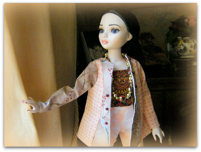 Mes poupées Ellowyne Wilde. De nouvelles photos postées régulièrement. - Page 7 02021