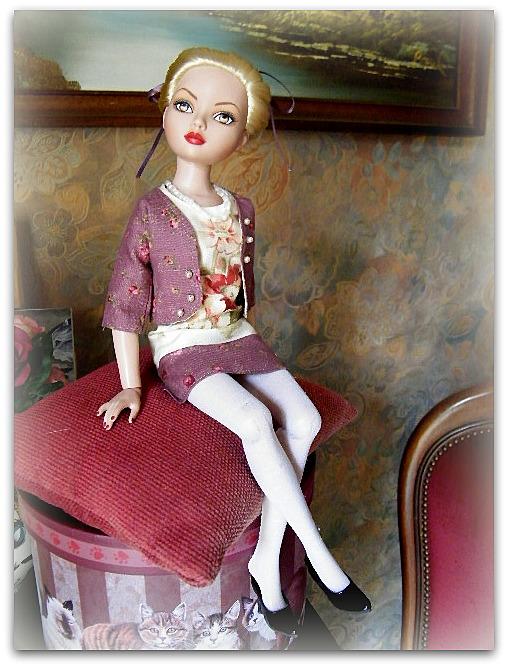 Mes poupées Ellowyne Wilde. De nouvelles photos postées régulièrement. - Page 7 02217