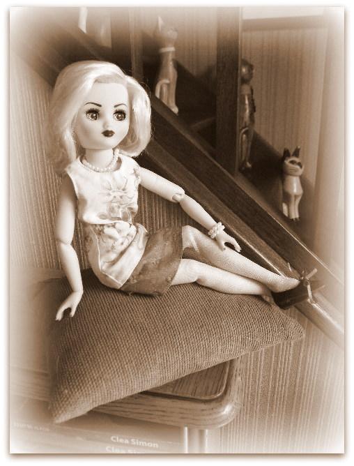 """Poupée américaine Rini """"Elegance"""" de chez Horsman. - Page 2 024-0010"""