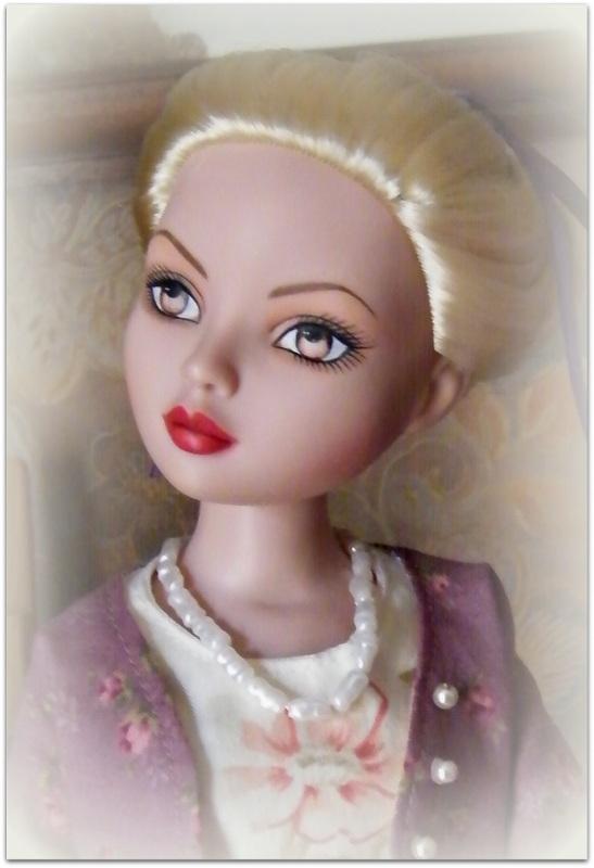 Mes poupées Ellowyne Wilde. De nouvelles photos postées régulièrement. - Page 7 02814