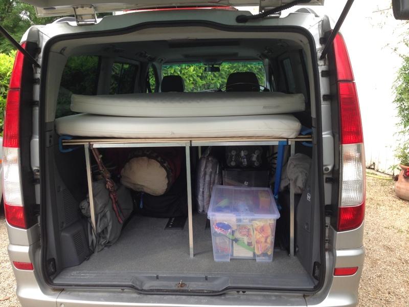 aménagement viano, électricité, lit et meuble cuisine. Img_3426