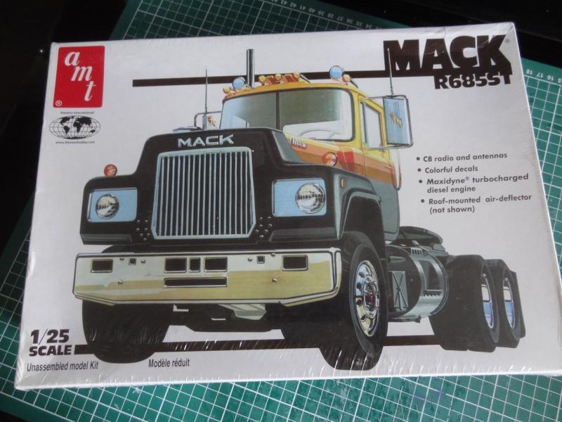 AMT Mack R  121