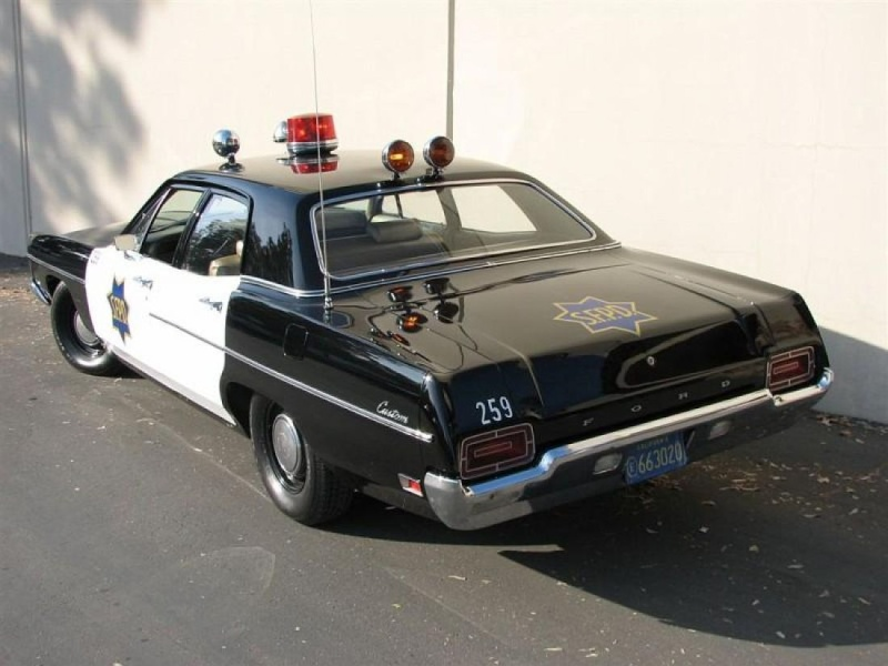 1970 Ford Custom SFPD ** Terminée ** - Page 3 1970_f11