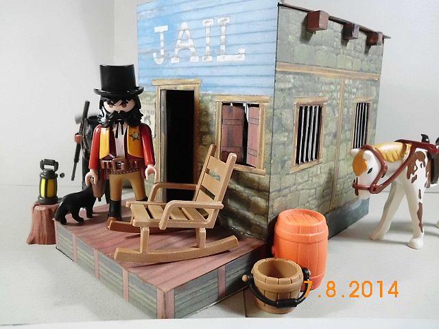 Sheriffbüro + Gefängnis von Papermau - Fertig und Galerie 10f10