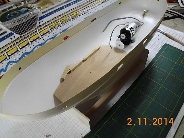 (Weiter-)Baubericht Graupner Anja SL35 1/60 1159