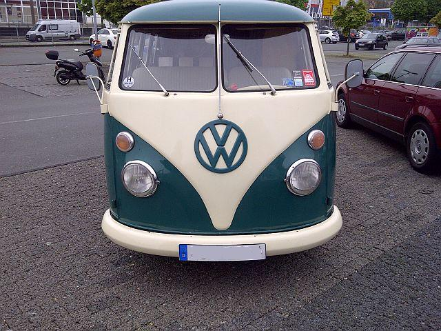 "VW Bus T1 - ""Auf dem Parkplatz schnappgeschossen""  210"