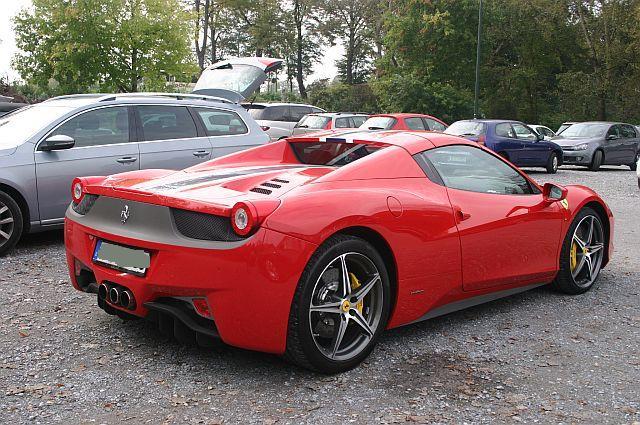 """Ferrari 458 - auf dem Parkplatz """"schnappgeschossen""""  378"""