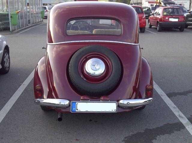 """Mercedes 170 V - auf dem Parkplatz """"schnappgeschossen""""  456"""