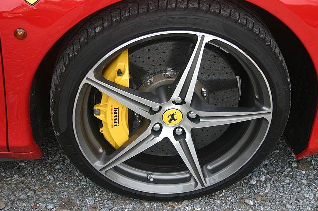 """Ferrari 458 - auf dem Parkplatz """"schnappgeschossen""""  554"""