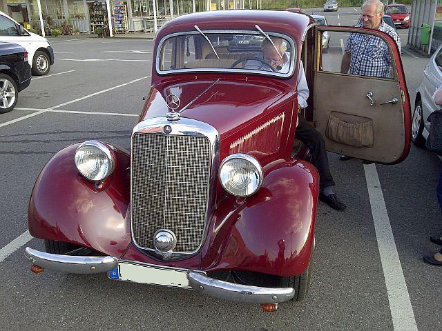 """Mercedes 170 V - auf dem Parkplatz """"schnappgeschossen""""  918"""