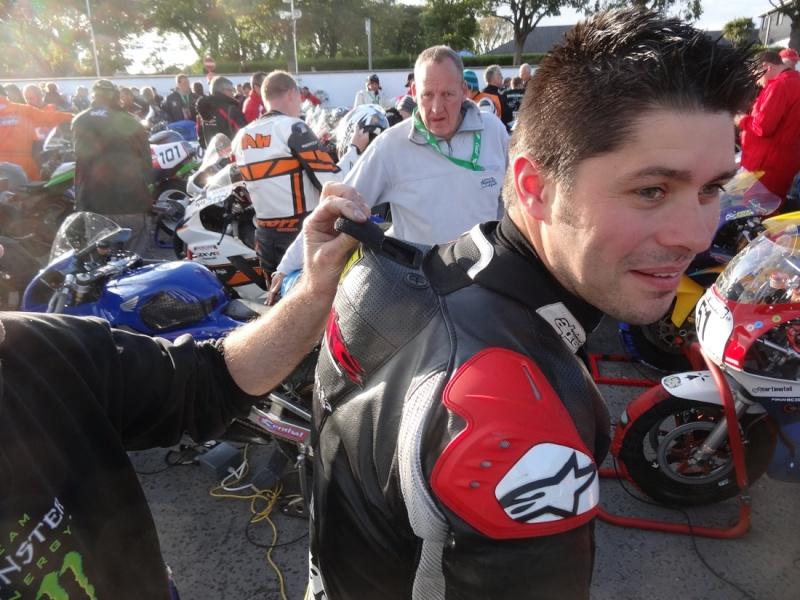 [Road Racing] Classic TT 2014 - Page 4 Dsc03842