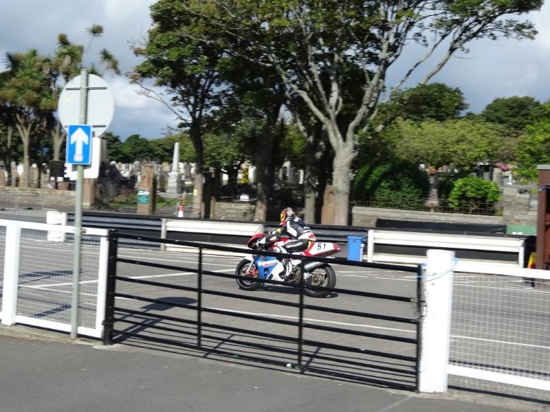 [Road Racing] Classic TT 2014 - Page 4 Dsc03928