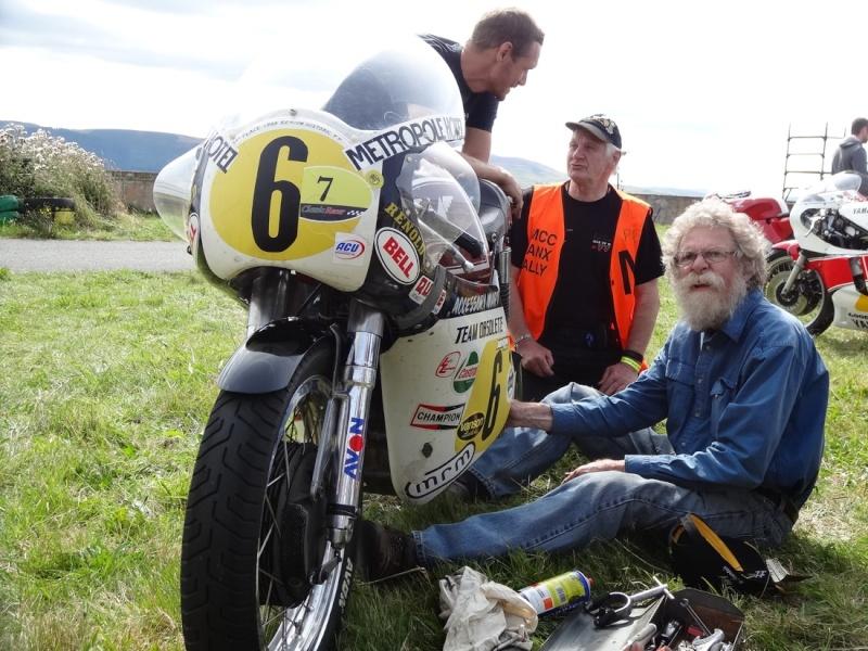 [Road Racing] Classic TT 2014 - Page 4 Dsc04021