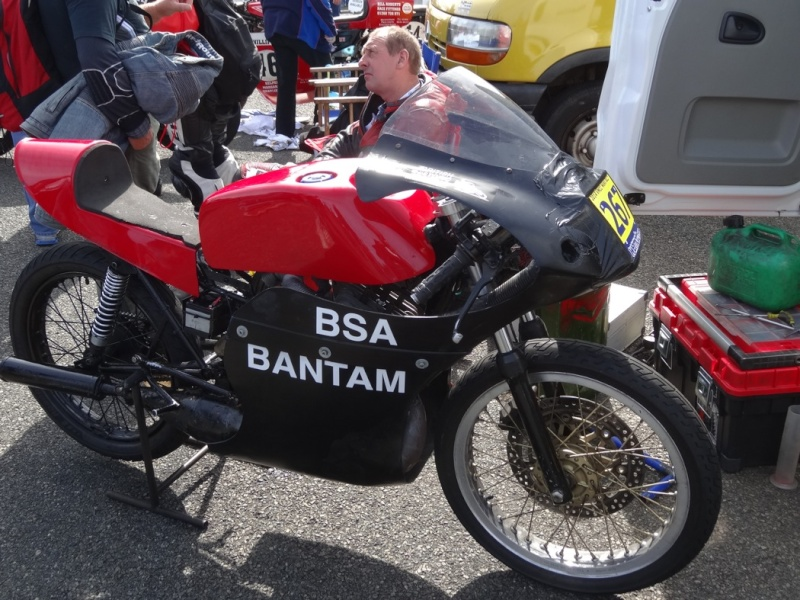 [Road Racing] Classic TT 2014 - Page 5 Dsc04036