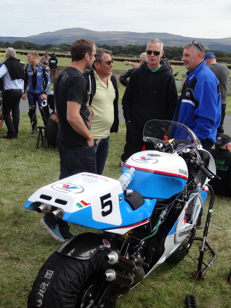 [Road Racing] Classic TT 2014 - Page 5 Dsc04124