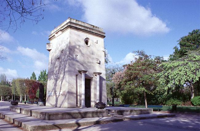 Un monument - Cathy - 8 Décembre- trouvé par Jovany - Page 4 Monu8910