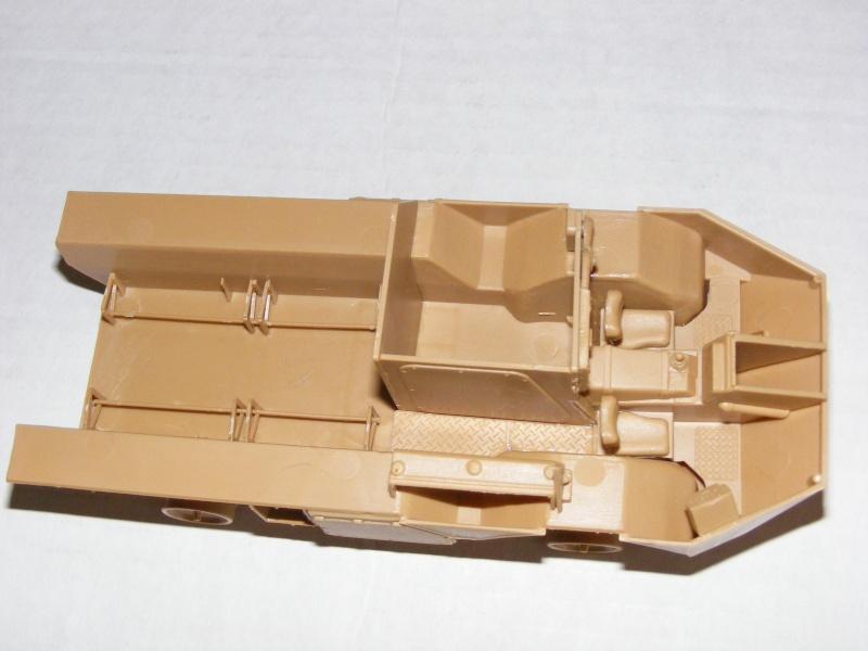 Französischer Truppentransporter VAB 4x4 in 1:35 von HELLER  Dscf1331