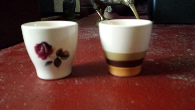 Found these 2 cute Lynndale Ware eggcups 2014-018