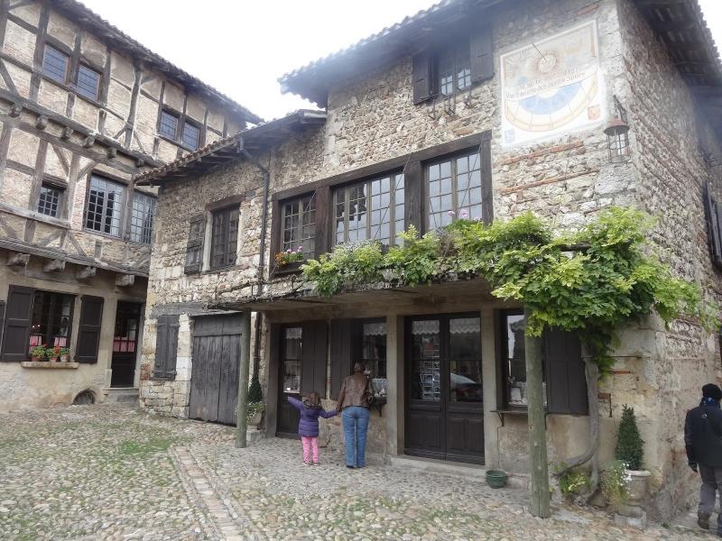 Cité médiévale de Pérouges 00913
