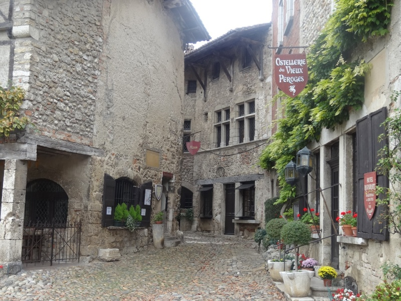 Cité médiévale de Pérouges 01016