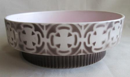 392 Round Bowl (striped base) Brown_10