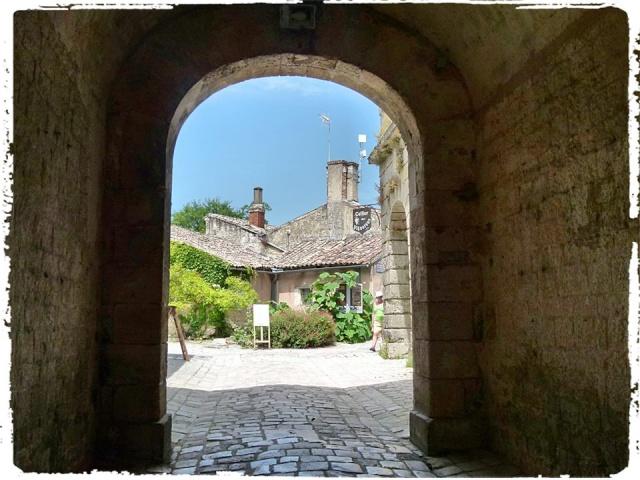 Citadelle de Blaye et la Route de la corniche de la Gironde 10177210