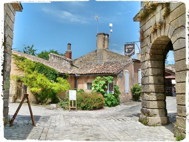 Citadelle de Blaye et la Route de la corniche de la Gironde 10389510