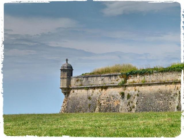 Citadelle de Blaye et la Route de la corniche de la Gironde 10435810