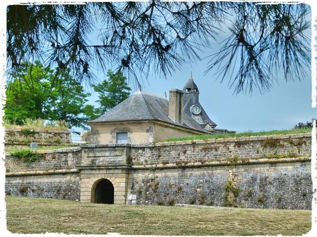 Citadelle de Blaye et la Route de la corniche de la Gironde 10509610