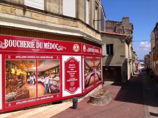 Le centre ville de Pauillac reprend provisoirement de la couleur ! Img_9912