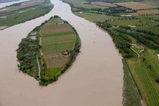 Estuaire de la Gironde : les îles refont surface ( de Orianne Dupont ) Ve201210