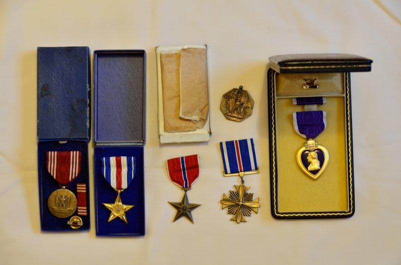 Ma collection (médailles, fusils, coiffures, lames, etc.) MAJ 21/04/2019 01-dsc10