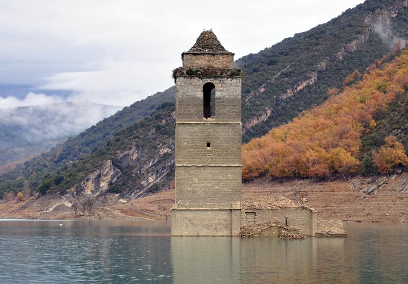 Les églises noyées de Mavrovo (Macédoine),  Mediano (Espagne) et San Pedro (Italie) 29941410