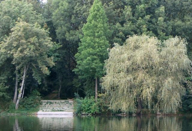 TV - les plus beaux jardins privés francais - Page 2 Escali10