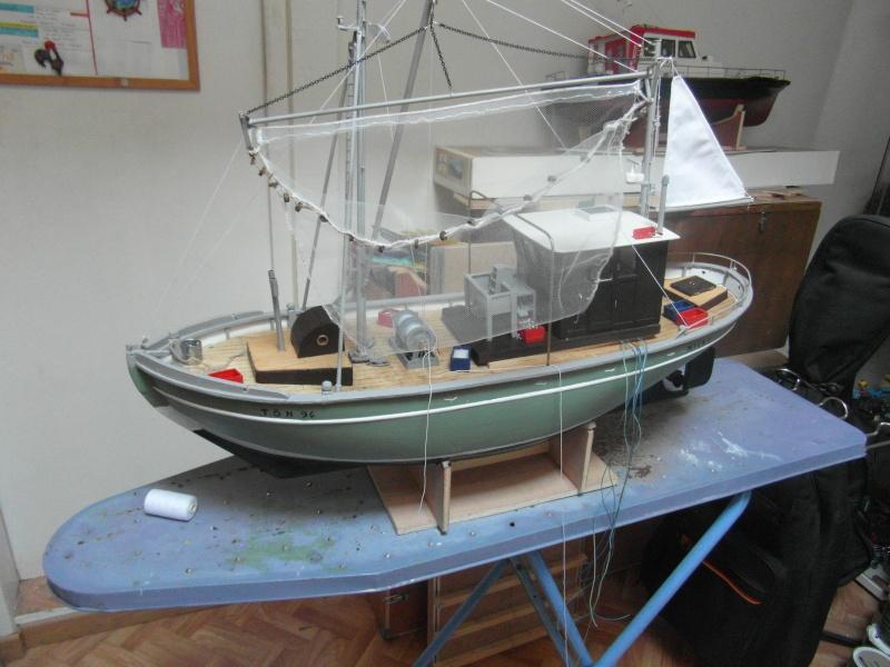 bateau  cux 28 cuxhaven échelle 1/22  - Page 5 08010