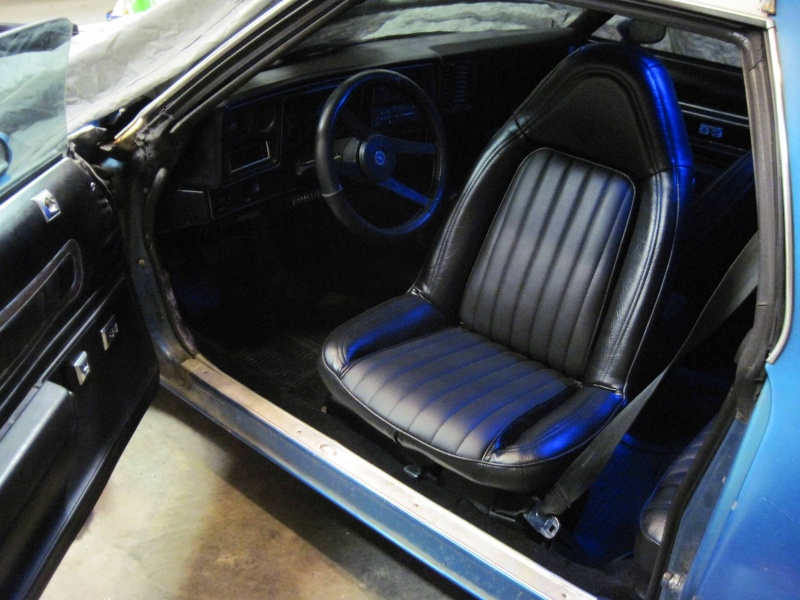 75 Laguna Bucket Seat Upholstery Set Install Front_10