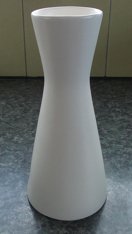 Titian KV.100. White Vase Dscn7025